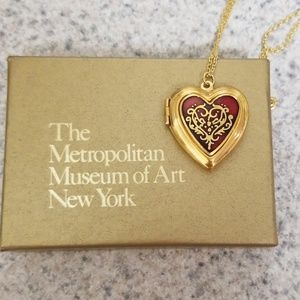 Vintage MMA 1984 Heart locket necklace